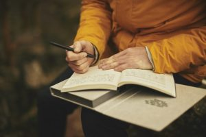a journal is a great way to keep track of a guy's weight loss