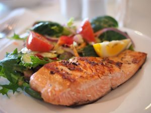 salmon with salad makes a great brain boosting meal