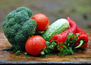 a pile of non starchy veggies